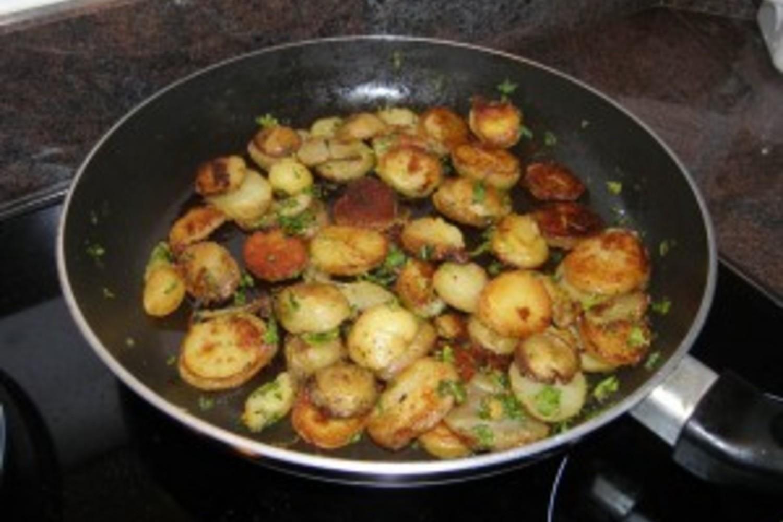 Youmiam recipe pomme de terre rissol es - Pomme de terre rissolees maison ...