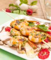 Persillade shrimp skewers with raspberry and mushroom carpaccio