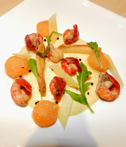 Creamy melon-tonka, with crawfish (crayfish) and gruyere