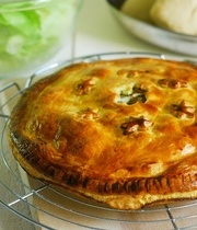 Meat and mushroom mince pie