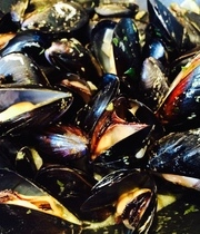 Mussels in white wine sauce - Marinère mussels