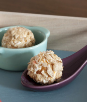 Apricot-filled fresh cheese nuggets with muesli breading
