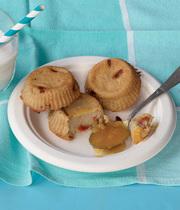 Almond milk and goji berry semolina cakes