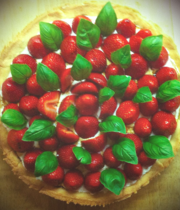 Wild strawberry tart with basil and balsamic vinegar