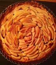Vanilla Apple Shortbread Tart