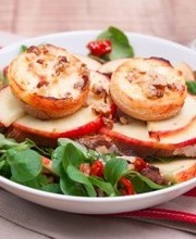 Warm goat cheese and apple salad