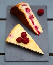 Magical raspberry & white chocolate cake
