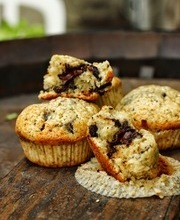 Cream and chocolate chip muffins (butter-free)