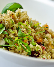 Quinoa salad with smoked salmon and grapefruit