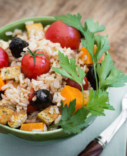 Rice salad with tofu and cheese