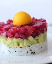 Tokyo-Stockholm: Gravlax with beets, avocado and sushi rice