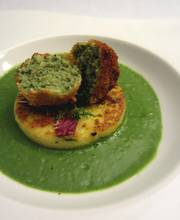 Green velouté, polenta with herbs and crispy lamb