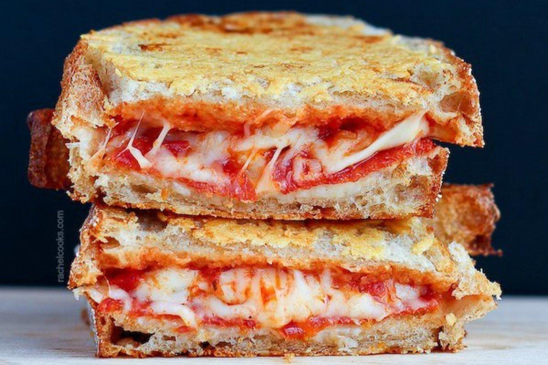 Croque Monsieur A La Poele croque-pizza au pepperoni