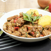 Veal Axoa (classic Basque meat hash with bell peppers