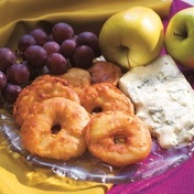 Apple fritters with gorgonzola