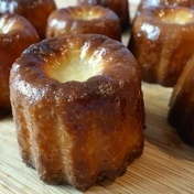 Bordeaux cannelé pastries