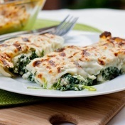 Ricotta and spinach cannelloni with béchamel sauce