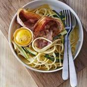 Linguine carbonara with zucchini and pancetta