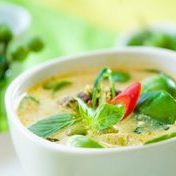 Green curry chicken with coconut milk