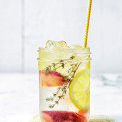 Peach-lemon Detox water