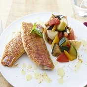 RED MULLET FILLETS GRILLED WITH SUMMER VEGETABLES