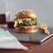 Autumnal burger with golden chanterelle mushrooms