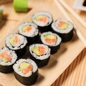 Makis (salmon and avocado)