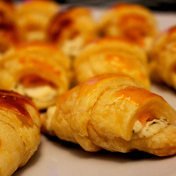 Salmon-cheese filled-croissants bites