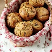 Dairy/gluten-free and low calorie! Apricot-walnut muffins