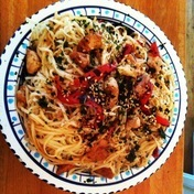 Stir-fry noodles with chicken