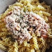 Pasta with crab and lemon