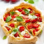 Goat cheese, tomato and zucchini quiche