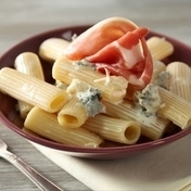 Rigatoni with Parma ham and gorgonzola