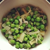 Fresh pea salad with mint