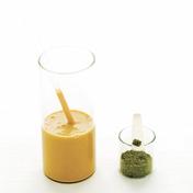Apricot-green tea smoothie