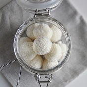 Raffaello style coconut truffles