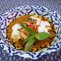 Plats thaï au curry et à la noix de coco
