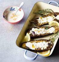 Aubergines grillées au four, sauce orientale au yaourt grec & épices