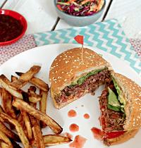 Aussie burgers, coleslaw epicé et frites