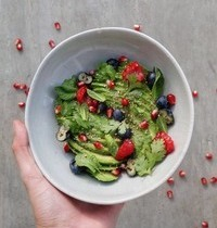 Avocado, berries, fresh herbes & gomasio