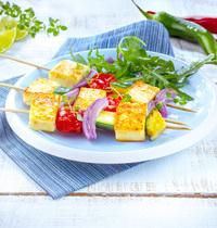 Brochettes de Grillis & légumes grillés