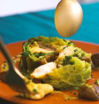 Bûche de saumon, chou vert et marrons