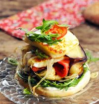 Grillis feta burger with grilled vegetables