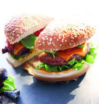 Burger Sud-Ouest chorizo et piment d'espelette