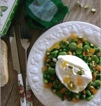 Burrata & Salade de Petits Pois et Fèves aux Abricots Secs et aux Pistaches