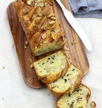 Cake aux poires, roquefort & noix