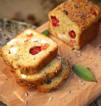 Cake aux tomates cerise et au chèvre frais
