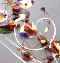 Carré de chevreuil, purée de panais, sauce fruits rouges