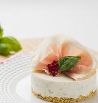 Cheesecake au St Môret®, Tomates séchées et Basilic