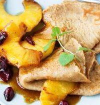 Crêpes au sarrasin, coco et ananas caramélisé